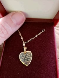 Engraved gold heart pendant necklace Charles Town, 25414