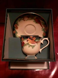 Lenox cup and saucer set Lyndhurst, 07071
