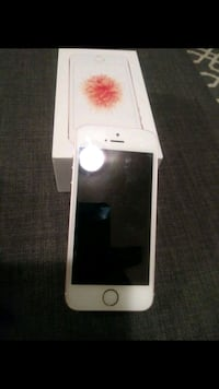 gold iPhone SE with box Whittier, 90604