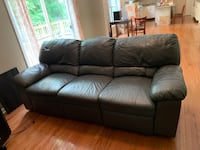 Double recliner couch Gainesville, 20155