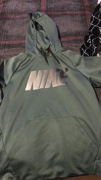 gray and white Nike pullover hoodie Tacoma, 98445
