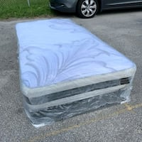 new twin mattress and box spring 2 pc  West Palm Beach