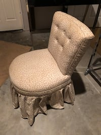 Chic chair