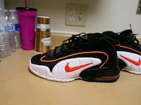 air max penny 1s willing to trade or sell sz10 comes with original box