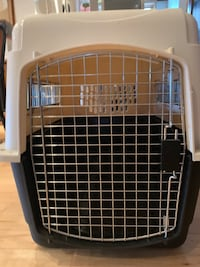 Petmate Ultra Vari Kennel.  Great condition.  32 x 22.5 x 24. Intermediate   Chestermere, T1X 1A3