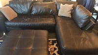 Brown sectional couch and ottoman set Dallas, 75219