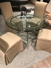 BEAUTIFUL GLASS DINING SET WITH CHAIRS Mississauga