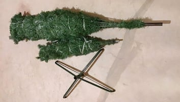 6.5ft Christmas tree for $40 only