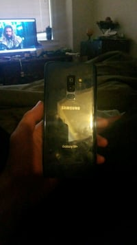 2 cracked scree Samsung Galaxy Android smartphone Seattle, 98109