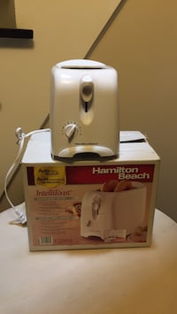 White and gray hamilton beach electric kettle Vaughan, L4J 8G5