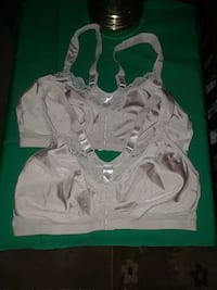 2 front closure bras