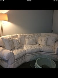 Gorgeous down filled sofa in excellent condition. Paid $7000. From Drexel Heritage    Toronto, M5V 3H9