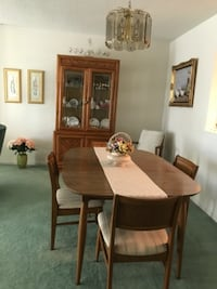 Danish dining room (6 chairs) CAPITOLHEIGHTS