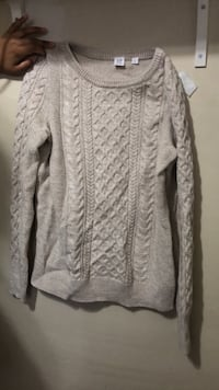 Nit cream sweater Toronto, M3H 2S9