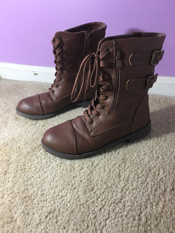 brown leather laced up boots 0a984608-5323-4fa6-9d5c-75dc3556f400