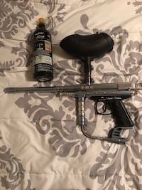 Paintball gun and CO2