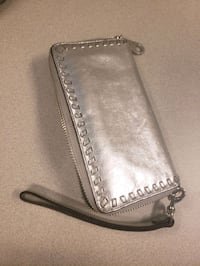 Rebecca Minkoff Silver Leather wallet Toronto, M2P 2C6