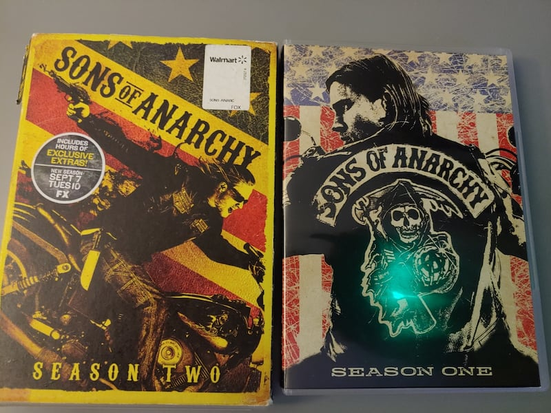 Sons of anarchy seasons 1 and 2 1