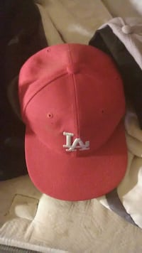 Brand new red and white LA hat  Hanford, 93230