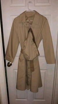 London Fog Womans Trenchcoat