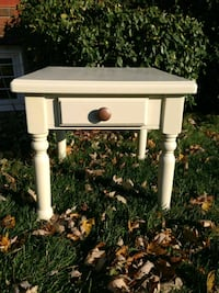 End/Side Table  Thorold, L0S 1A0