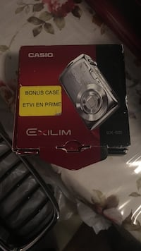 Casio Exilim point-and-shoot camera box Pickering, L1V