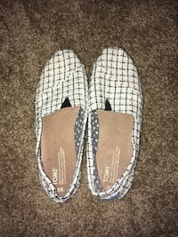 Women's Toms Size 8 Springfield, 97477