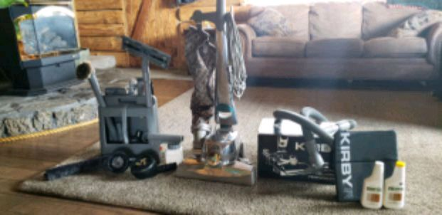 Photo Kirby sentria vacuum with all accessories