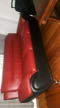 red and black leather sofa Springfield, 01104