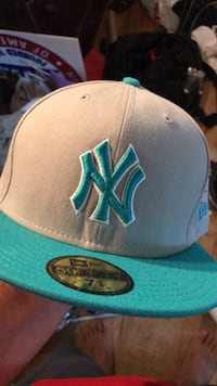 gray and blue New York Yankees fitted cap Jackson, 08527