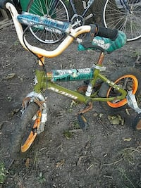 green and blue bike with training wheels Lincolnshire, 60069