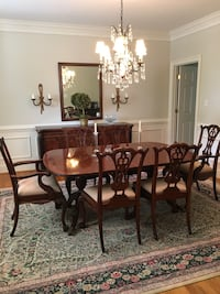 Dining Table & 8 Chairs McLean