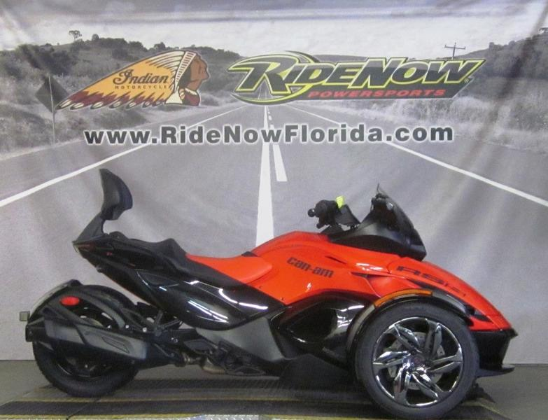 Photo 2016 Can-Am® Spyder® RS-S 5-Speed Semi-Automatic (SE5)