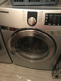Waching and dryer machine in excellent condition Laval, H7T