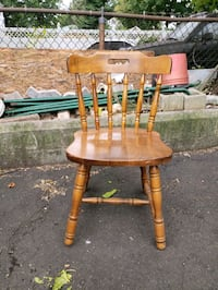 6 kitchen chairs Elizabeth, 07201