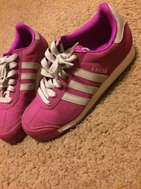 pair of red Adidas low-top sneakers Apple Valley, 92307