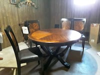 dining table and 4 chairs.. beautiful design on table and back of all Wainfleet, L0S 1V0