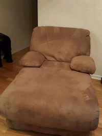 Reclining chaise, sofa w/ 2 recliners
