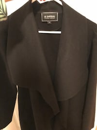 Black Wrap Coat/ Size Medium Worth 100$-Manteau Noir Montréal, H2P 2B1
