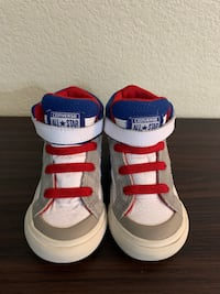 Converse All Star Shoes - Toddler Size: 6 Lubbock, 79414
