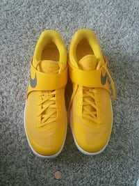Nike zoom lives yellow SIZE 15!