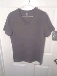 Mens Old Navy Gray V-Neck T-Shirt Size Small Vienna, 22181
