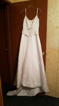 Wedding dresses size 1 and 5 Shepherdsville, 40165