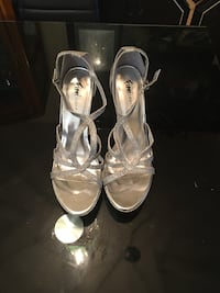 Pair of women's gray open-toe ankle strap heels Pikesville, 21208