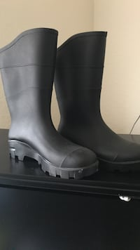 Brand new rain/work boots size 9 Melbourne, 32901