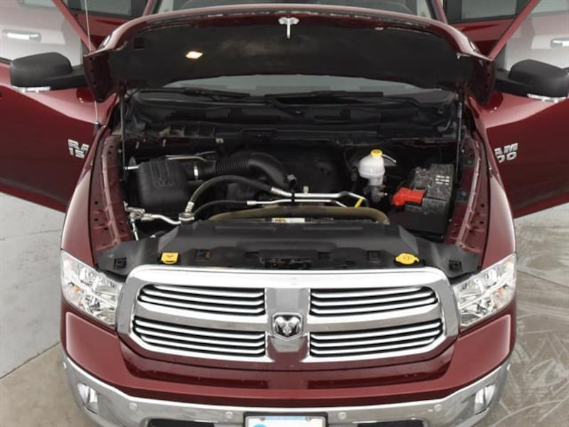 2016 Ram 1500 Crew Cab pickup Big Horn Pickup 4D 5 1/2 ft Red <br 3e556716-1c12-4458-ad2d-44ee054f9626