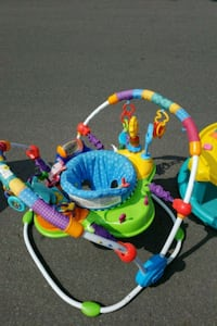 baby's multicolored jumperoo Laval