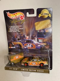 Hot wheels racing collectors edition Pit Crew diecast toy car