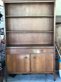 brown wooden 3-drawer chest 56 km