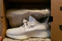 Yeezy Boost 350 V2 NEW Commerce Charter Township, 48382